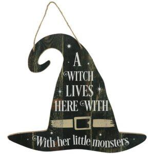 A witch lives here - Träskylt